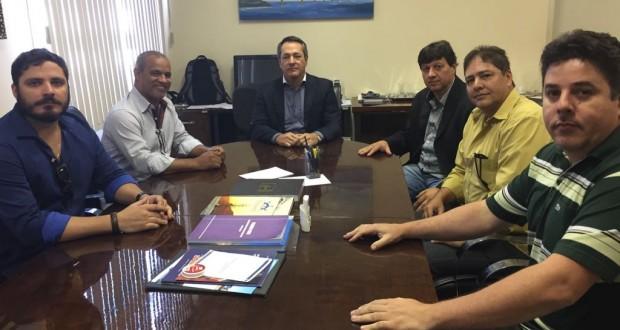 Humberto, Vitor, Guilherme Daré, Paulo, Renato e Harlen em reunião